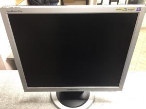 "19"" Samsung 913N Silver (LCD, 1280x1024, D-Sub) без кабелей"